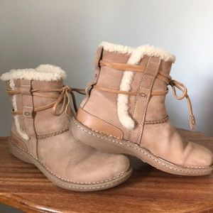 UGG La Jolla Ankle Boots Booties Chestnut